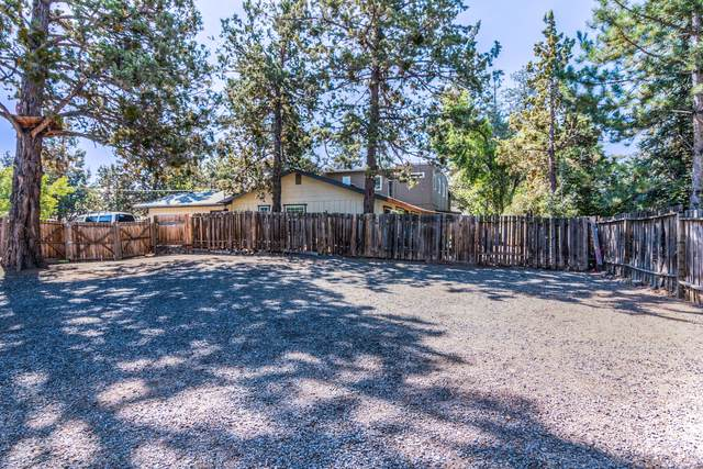 SE Douglas Street, Bend, OR 97702 (MLS #220129503) :: Bend Homes Now