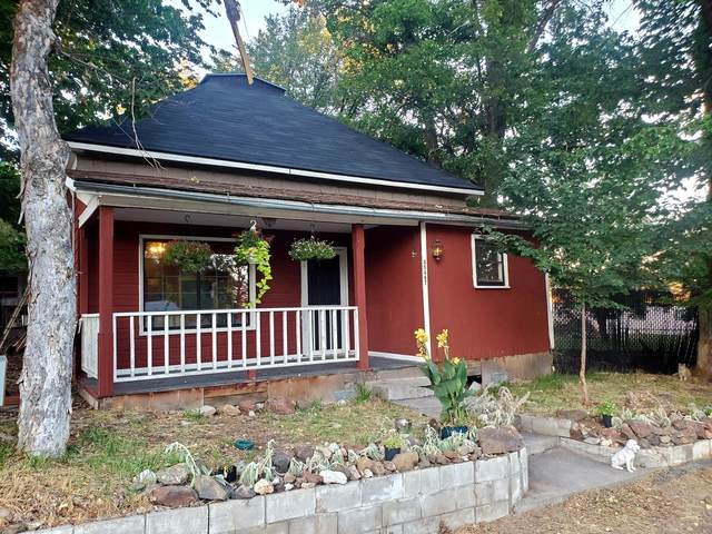45467 College Street, Antelope, OR 97001 (MLS #220129532) :: Premiere Property Group, LLC
