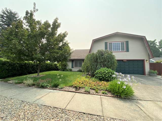 2356 Greenbrook Drive, Medford, OR 97504 (MLS #220129542) :: Schaake Capital Group