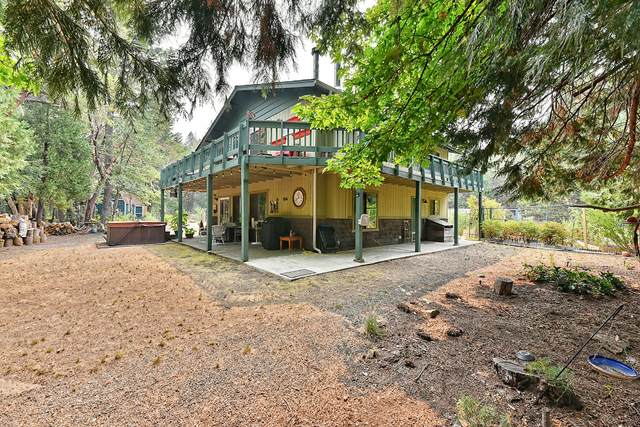 158 Hogue Drive, Selma, OR 97538 (MLS #220129721) :: FORD REAL ESTATE