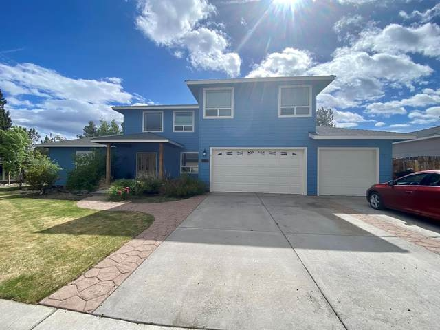 2919 SW Cascade Vista Drive, Redmond, OR 97756 (MLS #220129774) :: Arends Realty Group
