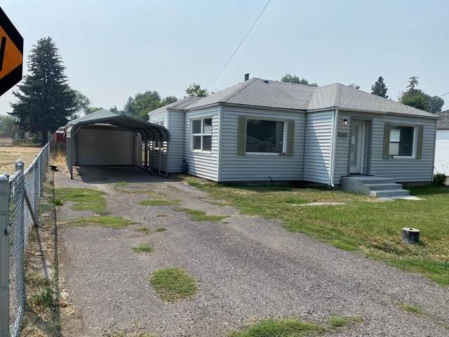 3814 Clinton Avenue, Klamath Falls, OR 97603 (MLS #220129973) :: Coldwell Banker Bain