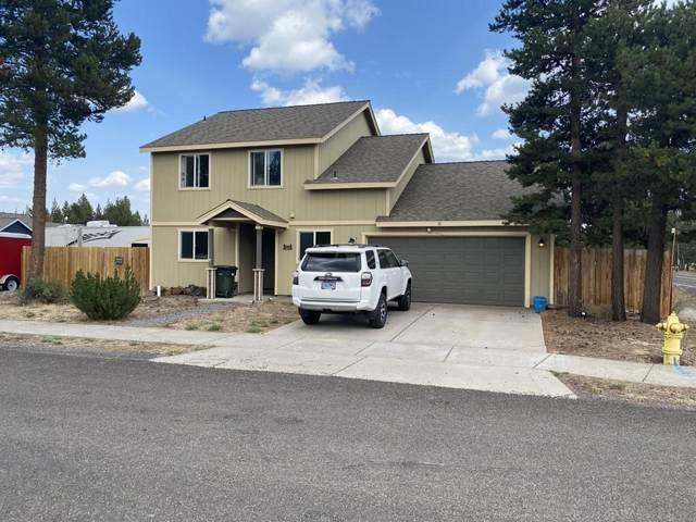 51404 Hinkle Way, La Pine, OR 97739 (MLS #220130011) :: Chris Scott, Central Oregon Valley Brokers