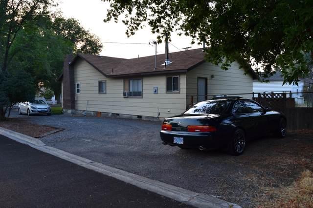 1535 Austin Street, Klamath Falls, OR 97603 (MLS #220130069) :: Schaake Capital Group