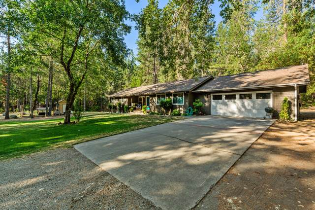 433 Calvert Drive, Grants Pass, OR 97526 (MLS #220130116) :: The Bifano Home Team