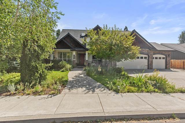 796 SE Briarwood Court, Bend, OR 97702 (MLS #220130201) :: Coldwell Banker Bain