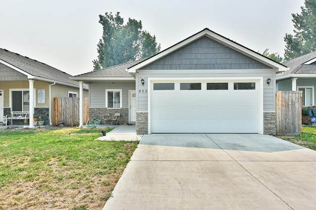 855 Tannin Drive, Medford, OR 97501 (MLS #220130226) :: Premiere Property Group, LLC
