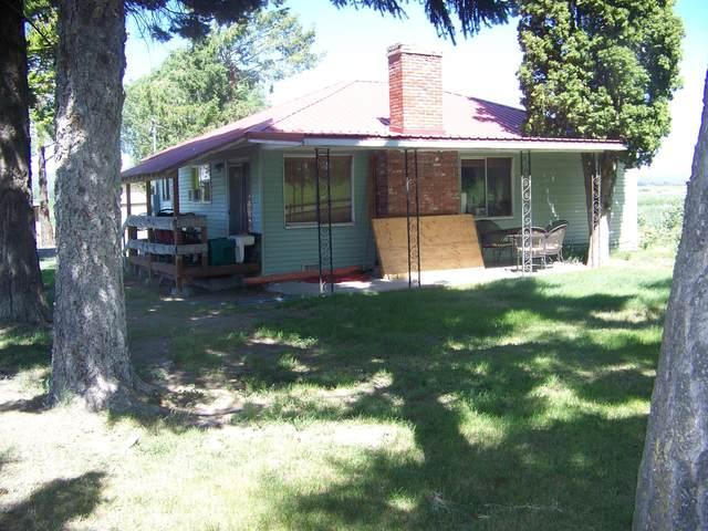 8250 NW Madras Highway, Prineville, OR 97754 (MLS #220130236) :: Oregon Farm & Home Brokers
