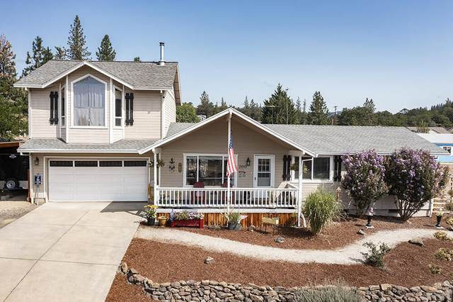 200 Hudspeth Lane, Shady Cove, OR 97539 (MLS #220130244) :: Premiere Property Group, LLC
