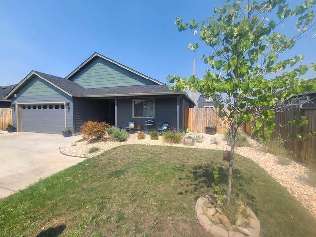 8246 Nickel Lane, White City, OR 97503 (MLS #220130269) :: Coldwell Banker Sun Country Realty, Inc.