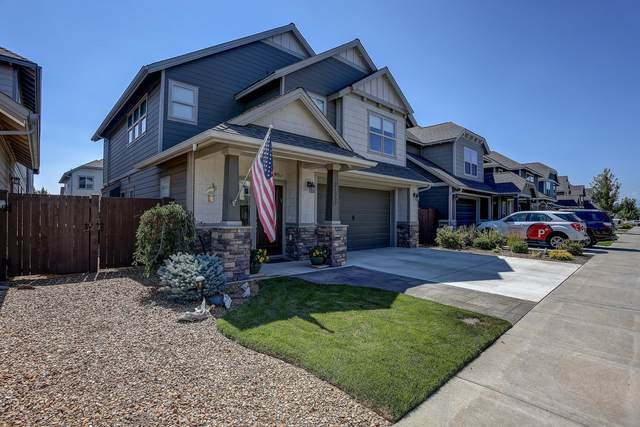 21357 NE Evelyn Place, Bend, OR 97701 (MLS #220130295) :: Coldwell Banker Bain