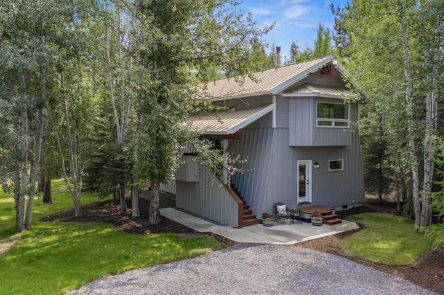 54822 Maple Drive, Bend, OR 97707 (MLS #220130347) :: The Bifano Home Team