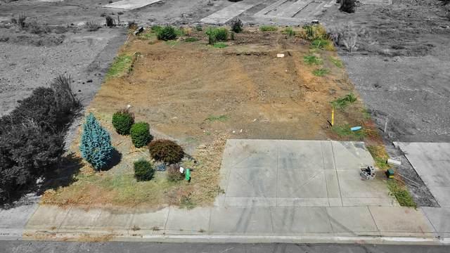 231 Oak Crest Way, Medford, OR 97501 (MLS #220130398) :: Arends Realty Group