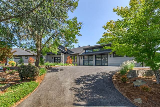 239 Twisted Pine Drive, Grants Pass, OR 97527 (MLS #220130499) :: Schaake Capital Group