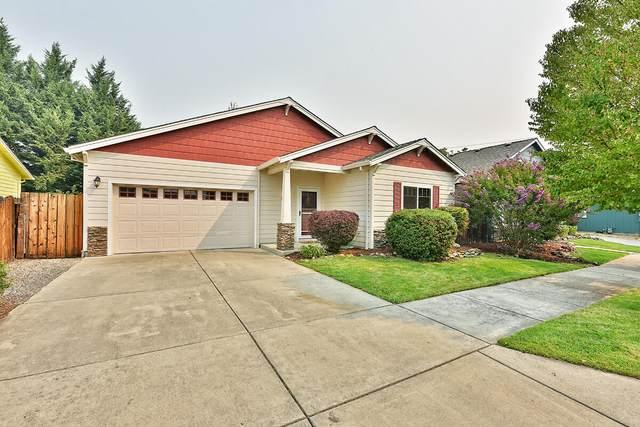 160 Lavender Lane, Central Point, OR 97502 (MLS #220130515) :: Chris Scott, Central Oregon Valley Brokers