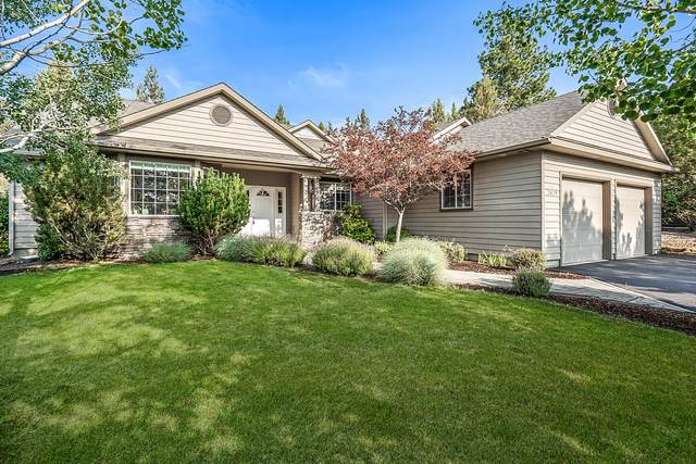 2829 NW Fairway Heights Drive, Bend, OR 97701 (MLS #220130545) :: The Bifano Home Team