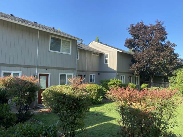 1810 NE Fairview Avenue, Grants Pass, OR 97526 (MLS #220130578) :: Arends Realty Group