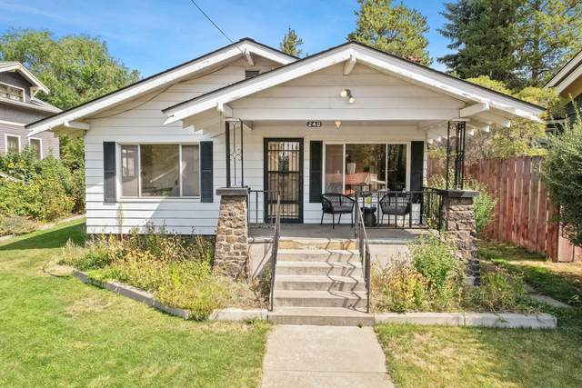 240 NW Georgia Avenue, Bend, OR 97703 (MLS #220130592) :: Arends Realty Group