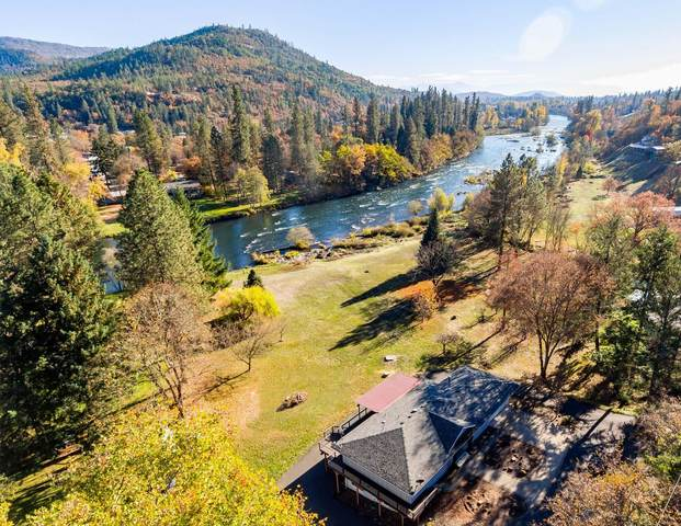 7266 Rogue River Drive, Shady Cove, OR 97539 (MLS #220130794) :: The Ladd Group