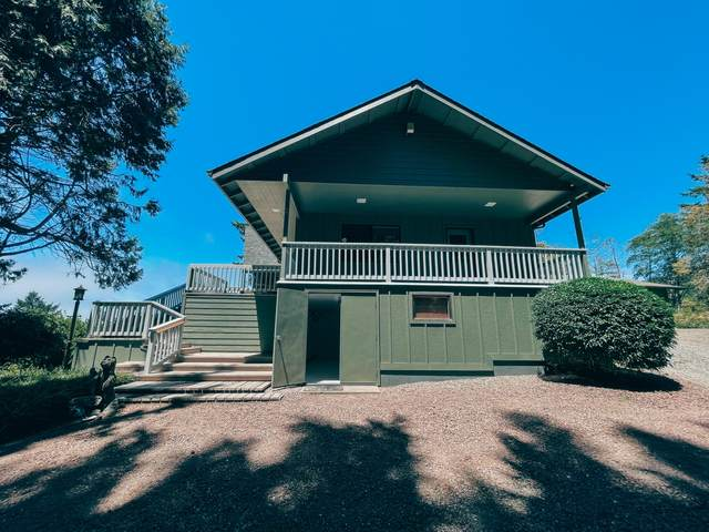 18148 Rainbow Rock Road, Brookings, OR 97415 (MLS #220130821) :: Bend Relo at Fred Real Estate Group