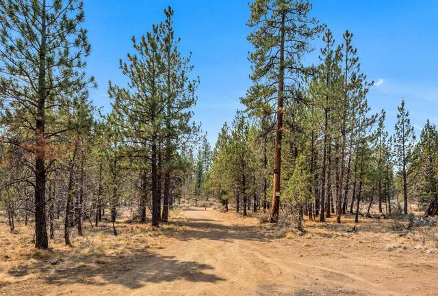 63454 Saddleback Drive, Bend, OR 97703 (MLS #220130902) :: Team Birtola   High Desert Realty