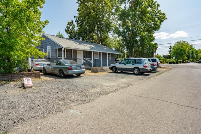 8 Kenwood Avenue, Medford, OR 97501 (MLS #220130914) :: Vianet Realty