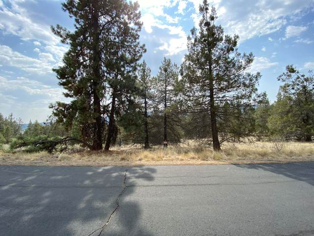 5768 Engleman Spruce Way, Klamath Falls, OR 97601 (MLS #220131044) :: Oregon Farm & Home Brokers