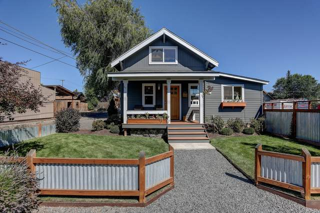44 NW Lake Place, Bend, OR 97703 (MLS #220131056) :: Coldwell Banker Bain