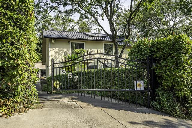 357 Wimer Street, Ashland, OR 97520 (MLS #220131065) :: The Riley Group