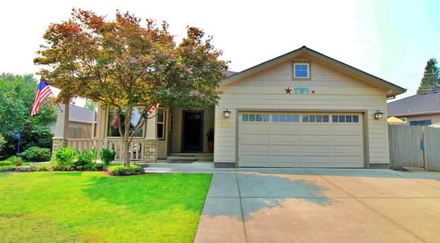 2530 Waters Edge Way, Medford, OR 97504 (MLS #220131092) :: Berkshire Hathaway HomeServices Northwest Real Estate