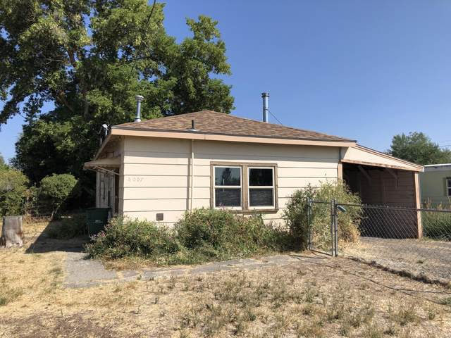4007 Mack Avenue, Klamath Falls, OR 97603 (MLS #220131110) :: Premiere Property Group, LLC
