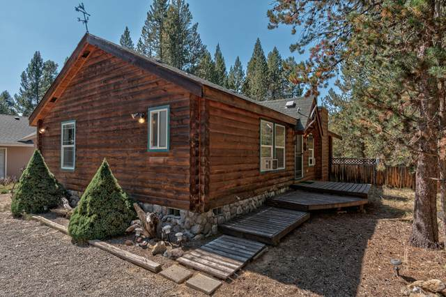 55861 Wood Duck Drive, Bend, OR 97707 (MLS #220131165) :: Arends Realty Group