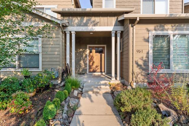 961 Camelot Drive, Ashland, OR 97520 (MLS #220131166) :: The Riley Group
