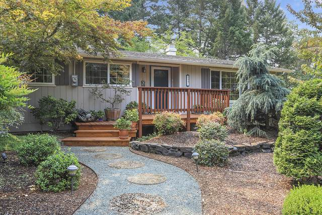 255 Karral Drive, Grants Pass, OR 97527 (MLS #220131308) :: Coldwell Banker Sun Country Realty, Inc.