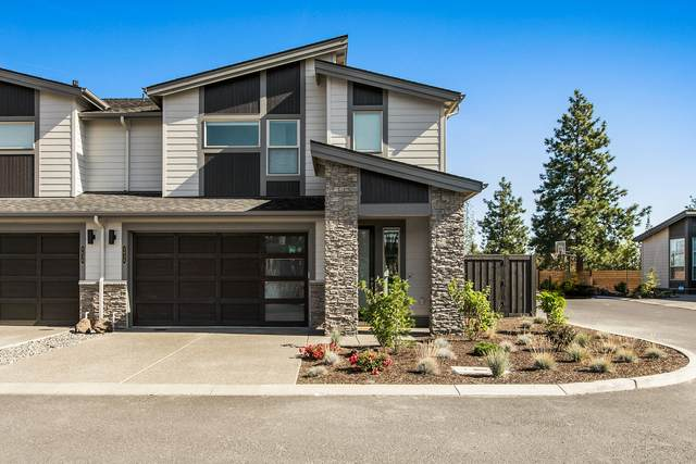 2634 NW Rippling River Court, Bend, OR 97703 (MLS #220131376) :: The Riley Group