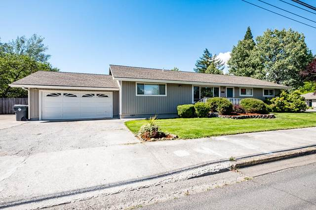 3000 Delta Waters Road, Medford, OR 97504 (MLS #220131393) :: The Riley Group