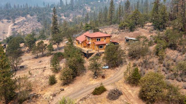 4175 Indian Creek Road, Shady Cove, OR 97539 (MLS #220131464) :: Bend Relo at Fred Real Estate Group