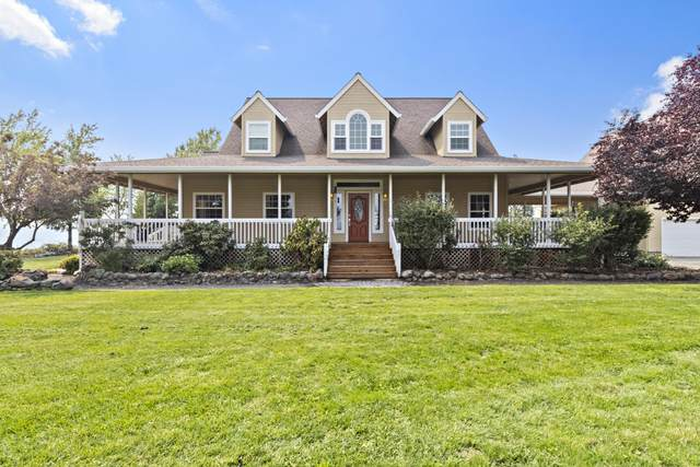 742 Brophy Road, Eagle Point, OR 97524 (MLS #220131488) :: Bend Relo at Fred Real Estate Group
