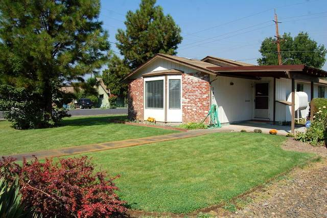 797 NW 5th Street, Prineville, OR 97754 (MLS #220131494) :: Coldwell Banker Bain