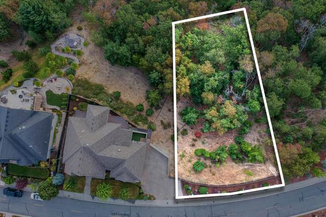 1085 NW Starlite Place, Grants Pass, OR 97526 (MLS #220131508) :: Coldwell Banker Bain