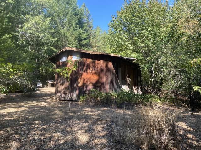 2356 Rockydale Road, Cave Junction, OR 97523 (MLS #220131515) :: Team Birtola | High Desert Realty
