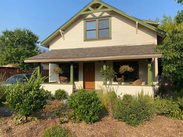 1001 Eureka Street, Ashland, OR 97520 (MLS #220131527) :: Berkshire Hathaway HomeServices Northwest Real Estate