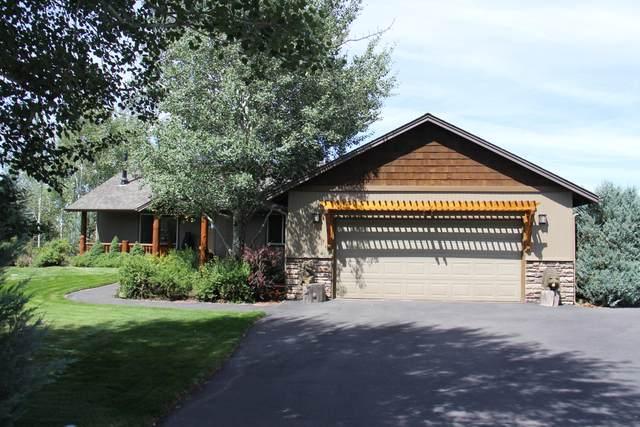 53085 Riverview Drive, La Pine, OR 97739 (MLS #220131532) :: Coldwell Banker Bain