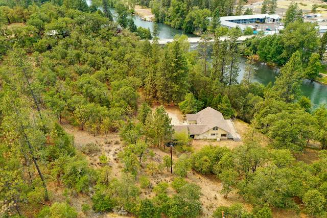 40 Riverside Drive, Shady Cove, OR 97539 (MLS #220131564) :: Bend Relo at Fred Real Estate Group