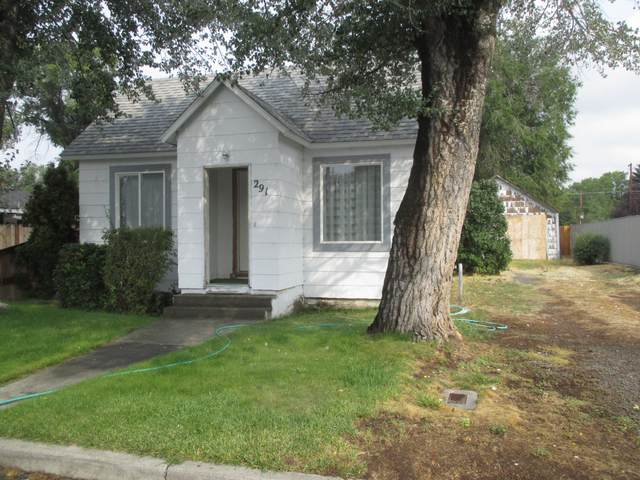 291 SE 8th Street, Madras, OR 97741 (MLS #220131566) :: Arends Realty Group