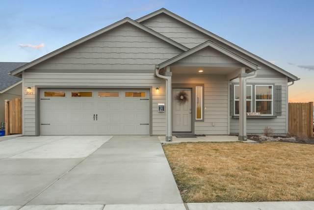 1637 Bronte Circle, Medford, OR 97504 (MLS #220131577) :: Chris Scott, Central Oregon Valley Brokers