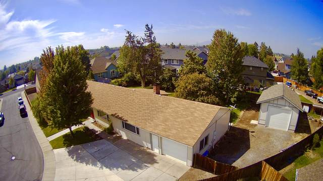 1445 NW 19th Court, Redmond, OR 97756 (MLS #220131595) :: The Riley Group