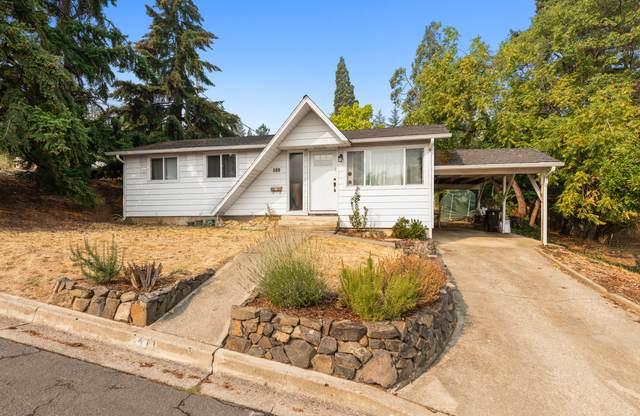 411 Harrison Street, Ashland, OR 97520 (MLS #220131637) :: Berkshire Hathaway HomeServices Northwest Real Estate