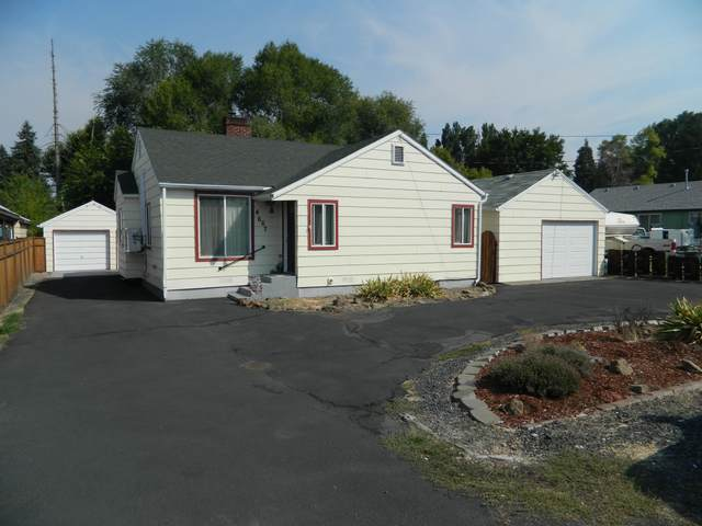 4667 Thompson Avenue, Klamath Falls, OR 97603 (MLS #220131659) :: Arends Realty Group