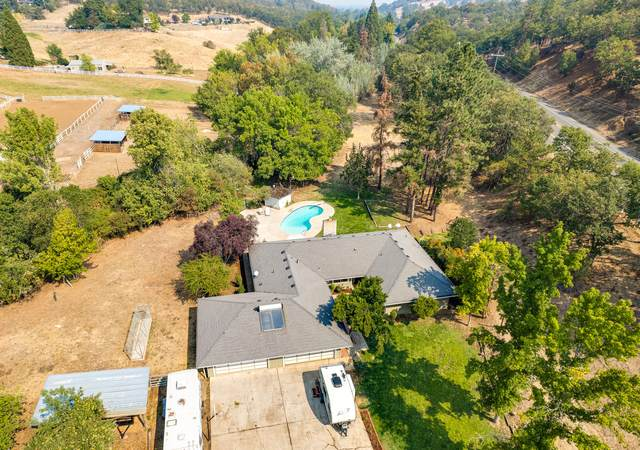 6151 Pioneer Road, Medford, OR 97501 (MLS #220131671) :: Bend Relo at Fred Real Estate Group